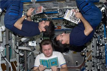 astronautsreading-sm